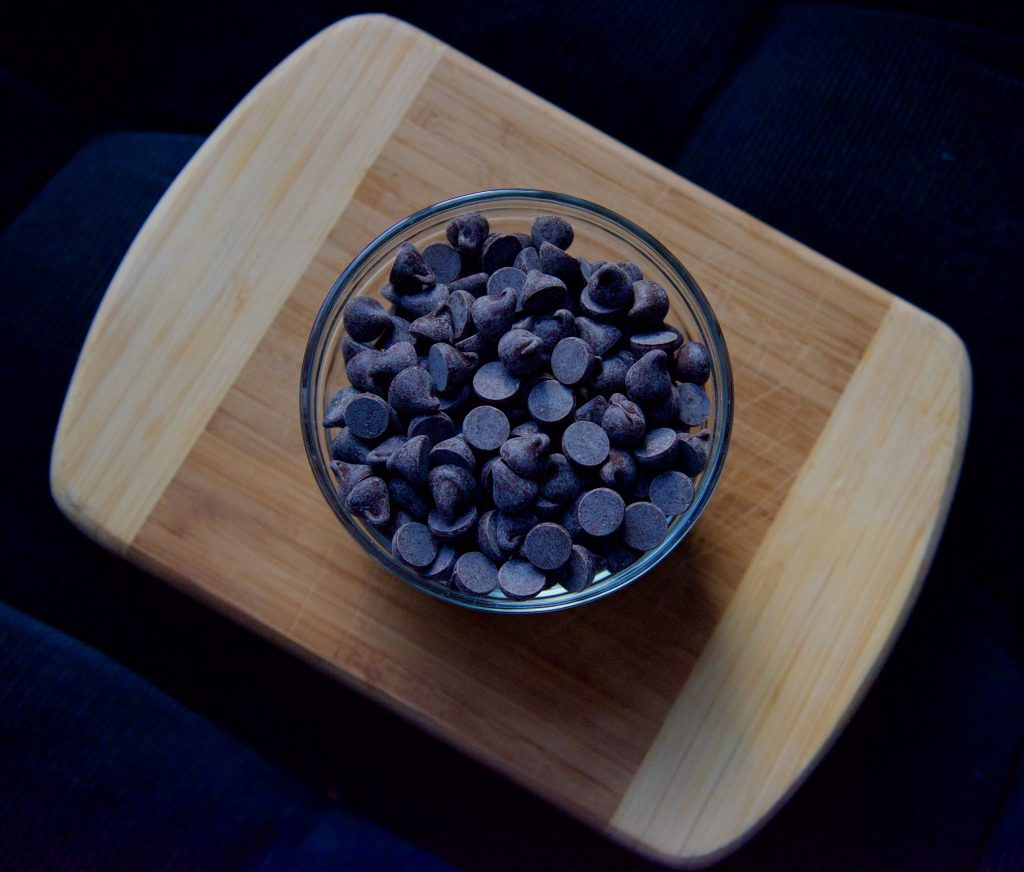 semisweet-chocolate-chips-bowl_Grace&Lightness_by-Molly-Beauchemin