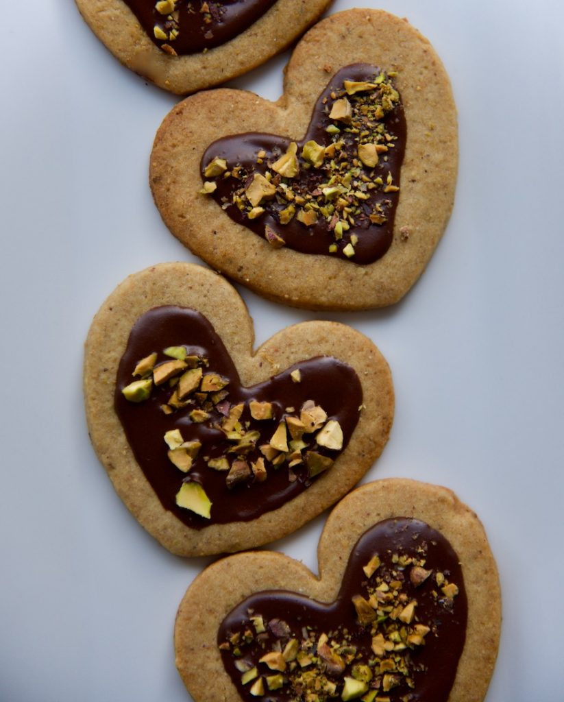 heart-shortbread-cookies_chocolate-pistachio-shortbread