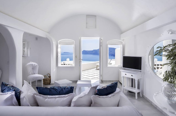 cave-suite-santorini_white-decor