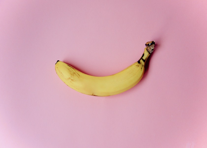 bananas-for-anxiety_best-healthy-snacks-for-airplanes