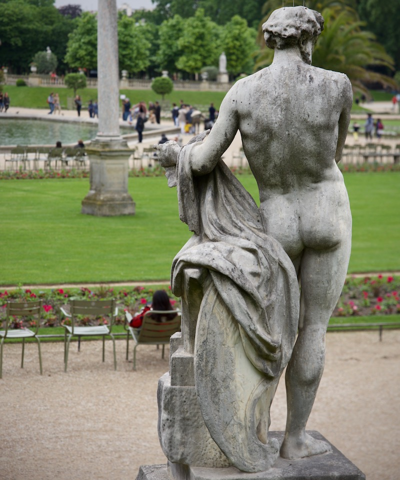 luxembourg-gardens-Paris_self-esteem_naked-statue