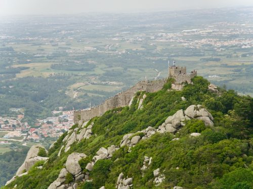 Castelo-dos-Mouros-Sintra-Portugal_worlds-most-beautiful-castles
