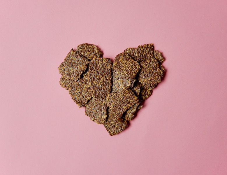 flaxseed-heart_heart-healthy-flaxseed-crackers