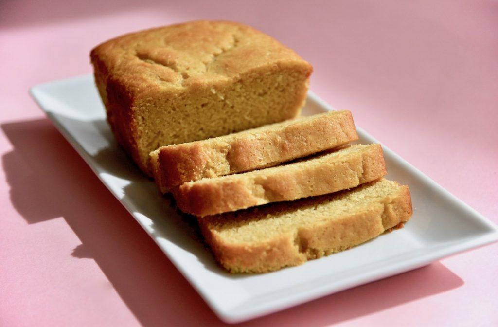 delicious-moist-gluten-free-olive-oil-cake