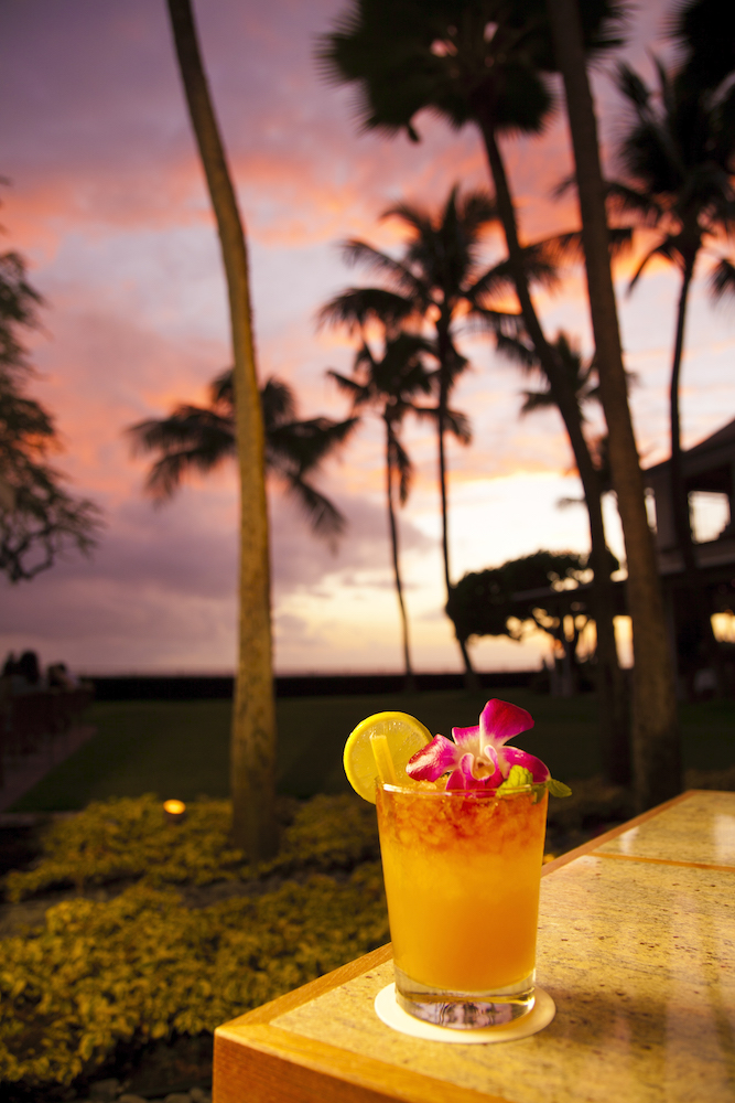 sunset-mai-tai-on-the-beach