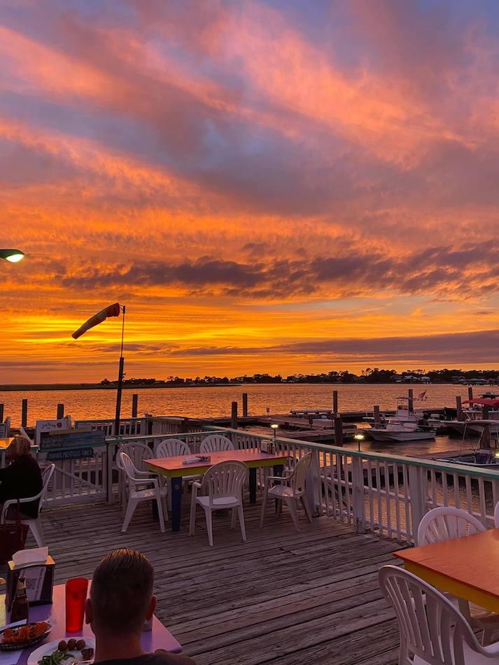 waterfront restaurants tybee island