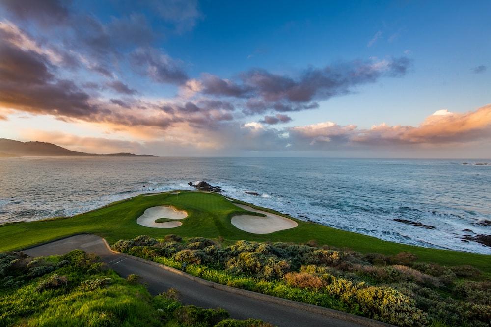 golfing in monterey california