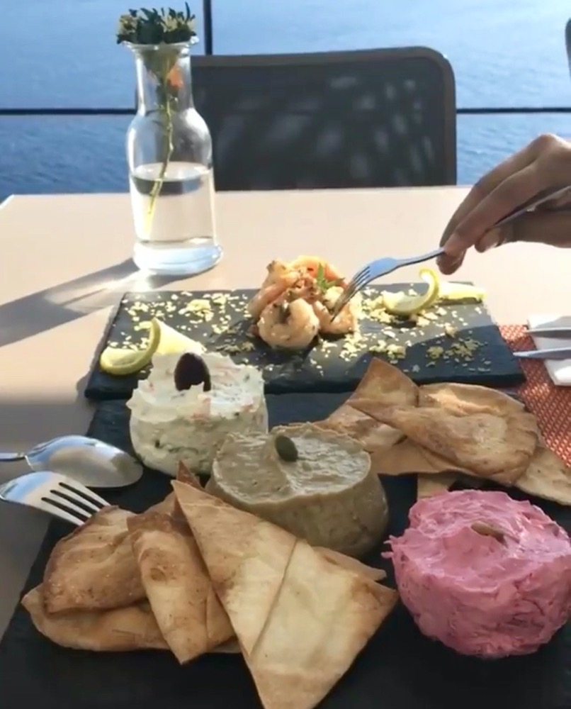 best-restaurants-santorini